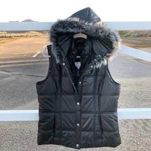 Puffy vest with fur hood